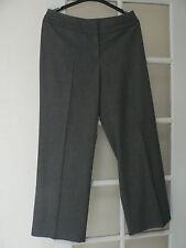 Pantalon droit gris neuf (44)