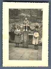 Belgique, Château de Beersel Vintage silver print.  Tirage argentique  7x10