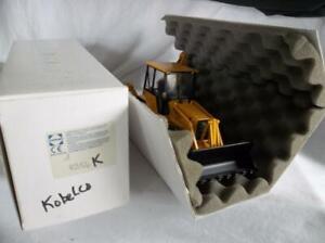 MINT Conrad  #2956 Kobelco TLK 860 Loader Backhoe 1:35 Scale   Orig Bx