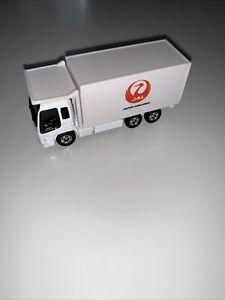 JAL Japan Airlines Tomica Tomy Isuzu Cargo Mack Truck 2007