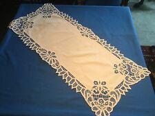 Grand napperon ou chemin de table ancien rectangulaire en coton, brodé, dentelle