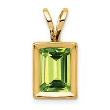 14k Gold 7x5mm Emerald-cut Peridot Bezel Pendant - 1.15 CWT