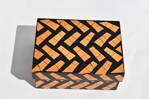 NICE VINTAGE R & Y AUGOUSTI INLAY WOOD ON WOOD TRINKET BOX LONDON