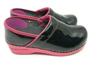 Sanita Original Danish Clogs Black Patent Leather Pink Rubber Soles Size EU 36