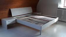 Doppelbett-weiß- fast neu 1,86 x 2,05 m, mit gutem Lattenrost - Einzelbetten