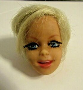 Vintage TWIGGY Doll Head Only Great Lashes!
