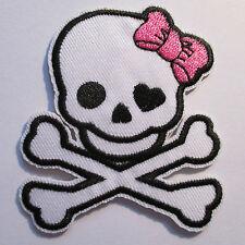 Totenkopf Aufnäher / girlie skull patch Rockabilly Aufbügler Bügelbild Punk girl