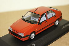 Renault 19 4-porte rouge 1992 1:43 MINICHAMPS NEUF & OVP 400113700