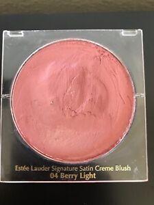 Estee Lauder Signature Satin Creme Blush 04 Berry Light, swiped