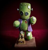 Frankenstitch Halloween Horror Figurine - Pinheads  Frankenstein The Monster