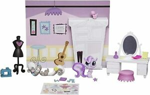 Littlest Pet Shop Puttin on The Glam Themed Pack