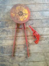 ANTIQUE / VINTAGE MARX WIND UP SWING ARM TIN SHOOTING TARGET GAME WITH GUN