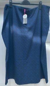 Marisota Navy Jacqaurd Elasticated Band Skirt. UK Size 28/30