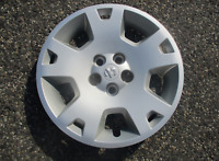 One factory 2005 to 2007 Dodge Charger Magnum 17 inch bolt on hubcap wheel cover