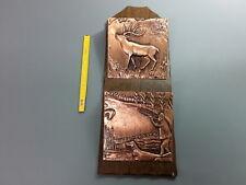 Ancien porte lettre mural en bois et cuivre vintage scènes de chasse campagne