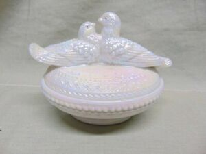 Fenton Pearly Sentiments Iridescent Dove's - Love Birds Candy Dish