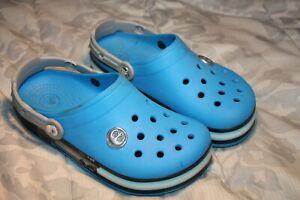 Crocs Star Wars Clogs Kid Size J2 Blue Slip On Light Up Shoe Free Ship
