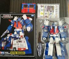 Takara Tomy Transformers Masterpiece MP-22 Ultra Magnus G1 Figure & coin