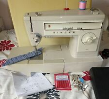 SINGER 527 ZIGZAG/ STRAIGHT STITCH  SEWING  MACHINE WITH INSTRUCTIONS CASED