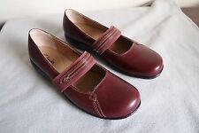 Women's  Red / Burgundy Mary Jane  Clarks  active air Shoes Size 11B