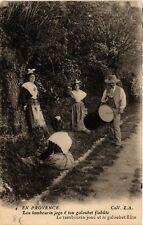 CPA En Provence - Le Tambourin joue etlegaloubet flute (477210)