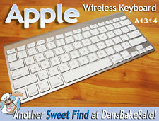 Apple Wireless Bluetooth Keyboard A1314 in Excellent Condition