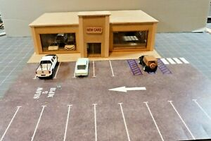 LOADED -1/64 DIORAMA SHOWROOM w/TALL FRONT ENTRY DOOR OPENING DOORS UNFINISHED