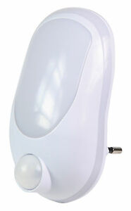SENSOR LED NIGHT LIGHT + MOTION DETECTION FOR 2 PIN EURO OR SHAVER SOCKET MAINS