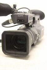 Sony DSR-PD150 MiniDV Camcorder w/Carry bag