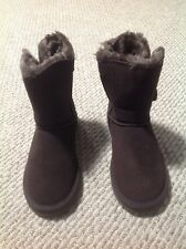 Ugg Womens Bailey Button Brown/Chocolate Boots (#5803) - size8