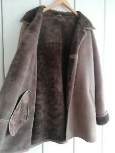 Vintage 70er Jahre Wildleder Sherpa (faux Schaffell) Mantel mit Lammfell.