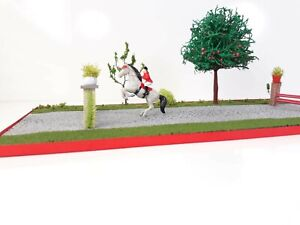 1/64 Scale S Jumping Show Horse With Jumper Jokey Girl Diorama