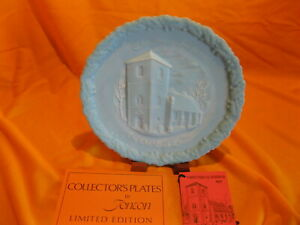 VINTAGE BLUE SATIN FENTON PLATE CHRISTMAS IN AMERICA THE OLD BRICK CHURCH 1971