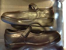 Women's Apex Mary Jane black full grain leather shoe. ~Brand New~B6000W~