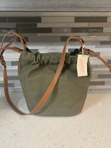 New Universal Thread Goods Co Olive Green Bag Purse with Magnetic Closure