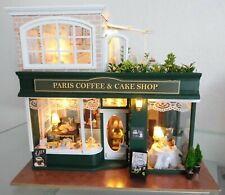 Puppenhaus Miniatur Paris Coffee & Cake Shop mit Beleuchtung und Musik Deko