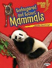 Endangered and Extinct Mammals (Lightning Bolt Books - Animals in Danger)