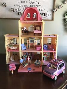 Fisher Price 2005 Loving Family Grand Mansion Dollhouse W/Furniture Family & Car