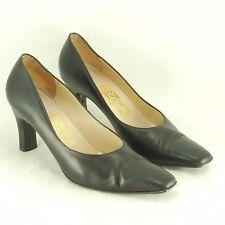 Salvadore Ferragamo Black Leather Heels Women's Size 8 B Classic Pumps Shoes