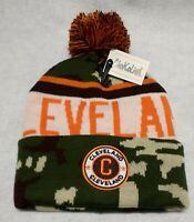 Cleveland Browns Camouflage Team Color Landmark Patch  Pom Pom Knit Beanie Hat