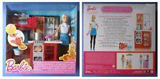 Barbie cuoca in cucina mobili forno gas pentole spaghetti originale Mattel DMC36