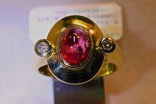 Ring 585/- Gelbgold -Handarbeit-, mit 1 Turmalin, rose + 2 Brillanten, W-57.