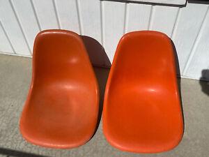 2x Herman Miller Eames Fiberglass Side Shell Chairs Orange Vintage