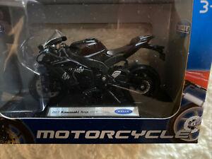 Kawasaki Ninja ZX-10RR  black die-cast model motorbike