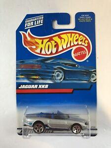 Hot Wheels Cool Classics Diecast Car Jaguar XK8 New 27131 #165 Silver