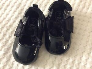 Infant Girls' 12-18 Month Black Patent Leather Mary Jane Style Shoes by Robeez