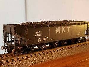 HO Athearn (buy 2-$4 off)40' MKT hopper with coal load #40021, built 1962, body