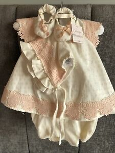 catherine malandrino Baby 4 Piece Dress Bloomers Pram Shoes And Bonnet 6-9 Month