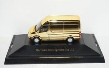 Mercedes-Benz Sprinter dcvd-Collection nº 13 Gold 1:87 en PC y en su embalaje original