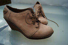 CLARKS softwear Damen Keil Schuh Stiefelette Keilabsatz Gr.7 40,5 Leder beige #g